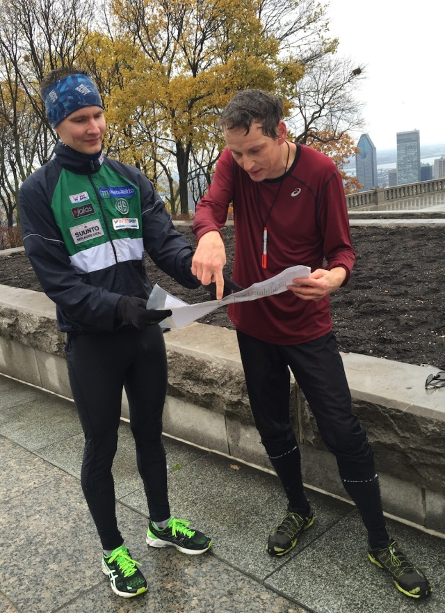 Tapio Haarlaa from Finland is discussing his route with local Thomas Kneubühler.